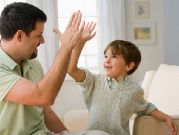 Sebutlah Perkataan Yang Baik-Baik Untuk Anak Anda