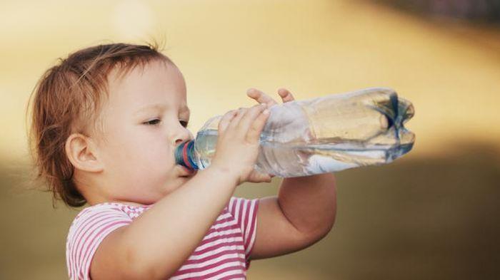 Cara Galakkan Anak Minum Air Masak Lebih Banyak